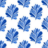 Blaues nahtloses mit Blumenmuster des Aquarells mit Blättern Vektorhintergrund für Gewebe, Tapete, die Verpackung oder Gewebedesi Lizenzfreie Stockfotos
