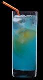 Blaues orange Cocktail auf Schwarzem Lizenzfreies Stockfoto