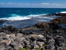 Blaues Ozeanwasser von Fuerteventura-Küste, Kanarische Inseln Stockfotografie