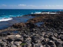 Blaues Ozeanwasser von Fuerteventura-Küste, Kanarische Inseln Lizenzfreie Stockfotos