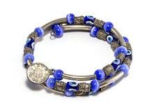Blaues Perlen-und Silber-Armband Stockbild