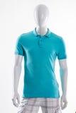 Blaues Polot-shirt auf Mannequin Lizenzfreie Stockfotografie