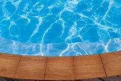 Blaues Poolwasser Lizenzfreies Stockbild