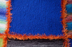 Blaues Segment eines gestrickten Stoffes Stockfotos