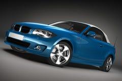 Blaues Sportauto. 3d übertragen Stockfotos
