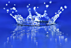 Blaues Spritzen stockbilder