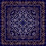 Blaues Taschentuch mit goldener Verzierung Stockbilder