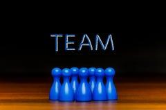 Blaues Team des Konzeptes, Teamwork, Zusammenarbeitskreidetext Lizenzfreies Stockfoto