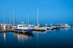 Blaues Wasser und Himmel Lizenzfreie Stockbilder