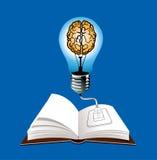 Blaulichtbirne auf offenem Buch Stockbild