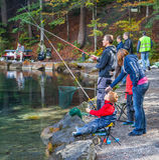 Blausee, Switerland -小钓鱼者II 免版税库存照片