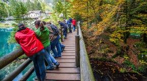Blausee, Switerland - turistas Fotografía de archivo