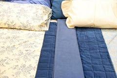 Blauw beddegoed royalty-vrije stock afbeeldingen