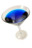 Blauw cocktailglas op wit royalty-vrije stock afbeelding