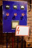 Blauw controlebord met kleppen royalty-vrije stock afbeelding