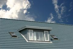Blauw dak stock foto