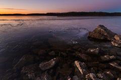 Blauw de Lentesmeer bij Zonsopgang op 20 Januari, 2014 Stock Fotografie