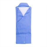 Blauw die overhemd op witte achtergrond wordt geïsoleerd Royalty-vrije Stock Afbeeldingen