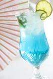 Blauw drink cocktail met ijs Royalty-vrije Stock Foto