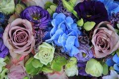 Blauw en purper bruids boeket royalty-vrije stock foto's