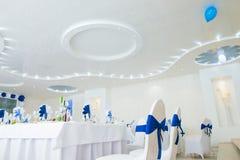 Blauw en wit binnenland van het restaurant Royalty-vrije Stock Foto's