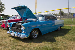 1955 Blauw en Wit Chevy Bel Air Side View Royalty-vrije Stock Afbeelding
