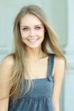 Blauw-eyed mooi meisje Royalty-vrije Stock Foto's