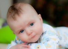 Blauw eyed schitterend babymeisje Royalty-vrije Stock Afbeelding