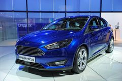 Blauw Ford Focus stock afbeelding