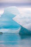 Blauw gletsjerijs bij Jokulsarlon-lagune, IJsland Royalty-vrije Stock Afbeelding