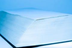 Blauw groot open boek Royalty-vrije Stock Afbeeldingen