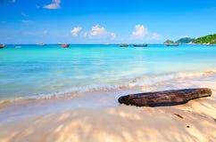 Blauw hemelstrand op het eiland Royalty-vrije Stock Afbeelding