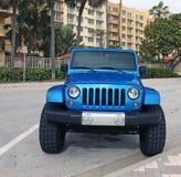 Blauw Jeep Wrangler Stock Foto's