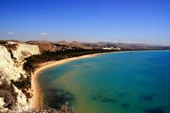 Blauw mediterraan strandzeegezicht, Sicilië royalty-vrije stock fotografie