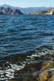 Blauw meer in de berg royalty-vrije stock afbeeldingen