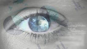 Blauw oog die terwijl aarde die in haar leerling draaien openen Filter van grafiek, cirkel en staafdiagram stock illustratie