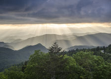 Blauw Ridge Mountains Sun Rays NC Royalty-vrije Stock Fotografie
