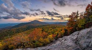 Blauw Ridge Mountains, toneelschemering Stock Afbeelding