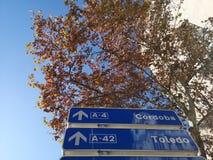 Blauw Straatteken Cordoba Toledo stock afbeeldingen