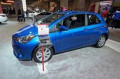 Blauw 2015 Toyota Yaris Stock Foto