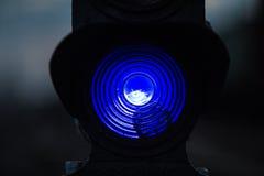Blauw treinverkeerlicht Stock Afbeeldingen