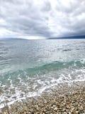 Blauw turkoois overzees en strand Royalty-vrije Stock Foto