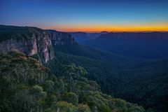 Blauw uur bij het vooruitzicht van de govettssprong, blauwe bergen, Australië 3 stock fotografie