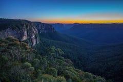 Blauw uur bij het vooruitzicht van de govettssprong, blauwe bergen, Australië 2 royalty-vrije stock foto