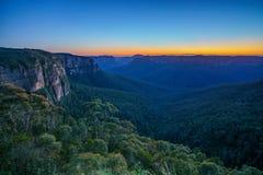 Blauw uur bij het vooruitzicht van de govettssprong, blauwe bergen, Australië 6 royalty-vrije stock fotografie