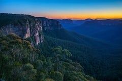 Blauw uur bij het vooruitzicht van de govettssprong, blauwe bergen, Australië 9 stock fotografie