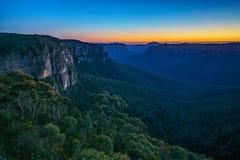 Blauw uur bij het vooruitzicht van de govettssprong, blauwe bergen, Australië 10 stock afbeeldingen