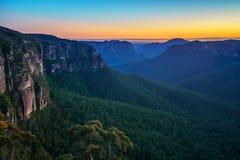Blauw uur bij het vooruitzicht van de govettssprong, blauwe bergen, Australië 14 stock afbeelding