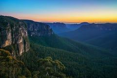 Blauw uur bij het vooruitzicht van de govettssprong, blauwe bergen, Australië 22 stock afbeelding