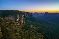 Blauw uur bij het vooruitzicht van de govettssprong, blauwe bergen, Australië 35 royalty-vrije stock foto's